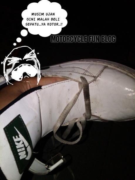 sepatu kotor