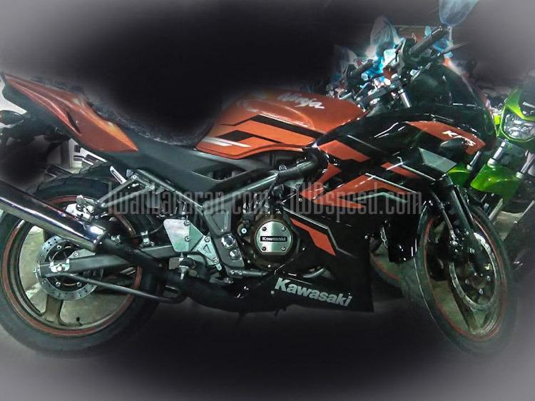 Kawasaki Ninja 150 Rr Facelift Striping Baru Siap Di Lempar Ke