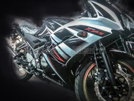 Striping-baru-Ninja-150RR-2015-HIJAU-4