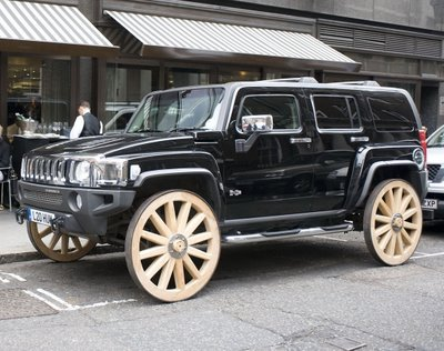 Hummer-H3-Wooden-Wheels1 (1)